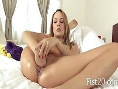 Blonde Babe Hole Fisting Herself