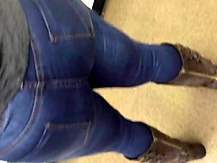 big booty milf in jeans